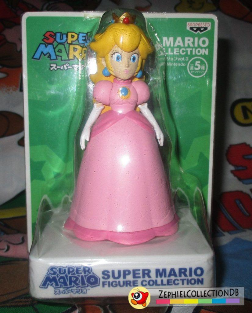 Super Mario Peach Figure