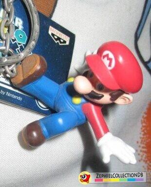 Super Mario Galaxy Flying Kick Mario Figure Keychain