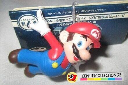 Super Mario Galaxy Flying Mario Figure Keychain